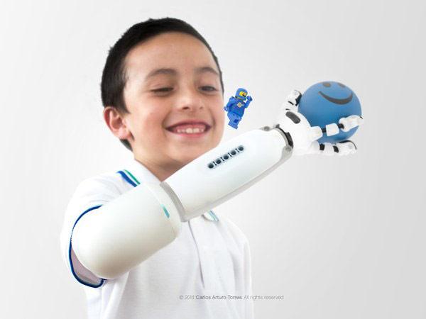 Carlos Arturo Torres LEGO prosthetics